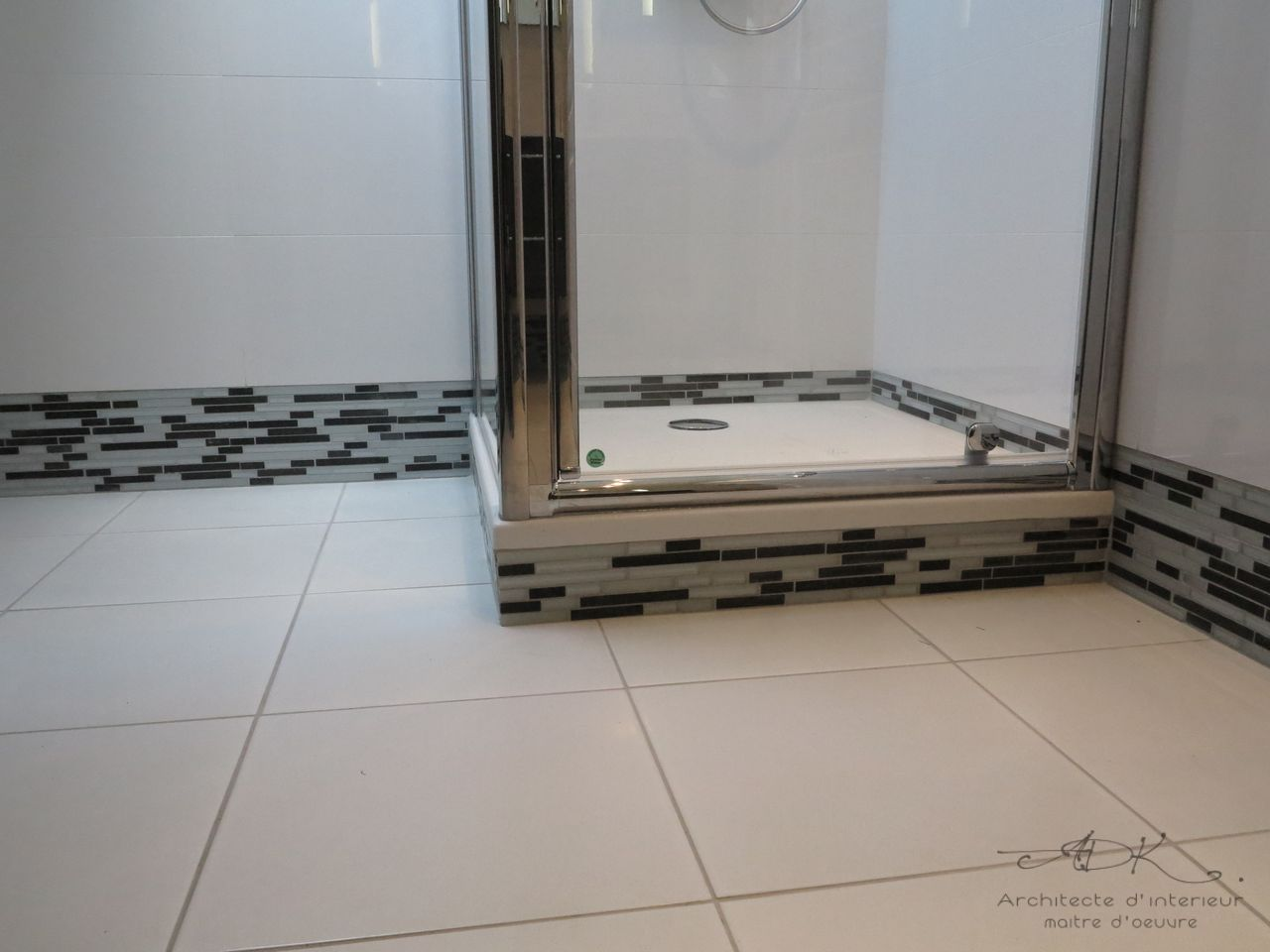 Wc sous comble gallery of amenager une salle de bain m for Amenagement petite salle de bain sous pente
